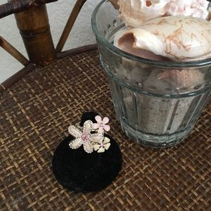 MACY'S Large Floral Stretchy Ring Size 6.5